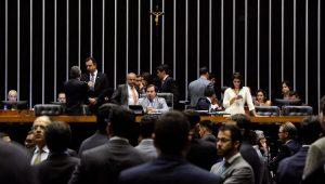 Novo texto da reforma da Previdência anima governistas, enquanto oposição quer obstruir