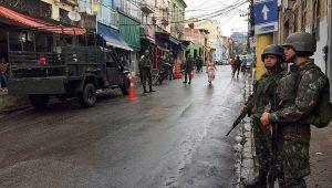 Polícia Militar do Rio prende cinco pessoas em tiroteio no Morro do São Carlos