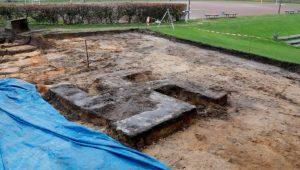 Suástica de quatro metros é encontrada durante escavação em estádio alemão