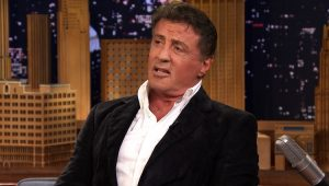 Sylvester Stallone é acusado de abusar sexualmente de fã de 16 anos, diz jornal