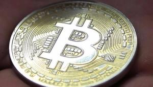 """Economista alerta para estágio de """"euforia"""" com """"bolha"""" do Bitcoin"""