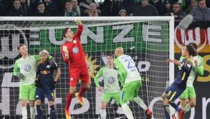 RB Leipzig empata com Wolfsburg e perde chance de encostar no líder do Alemão