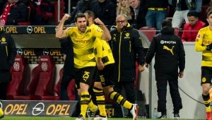 Borussia Dortmund bate Mainz, volta a vencer após 10 rodadas e sobe para 4º lugar