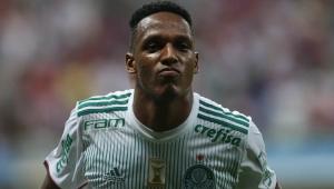 Empresário de Mina nega contato do Barcelona para ter zagueiro do Palmeiras em janeiro