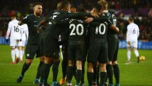 City goleia o lanterna Swansea e chega à 15ª vitória seguida no Inglês
