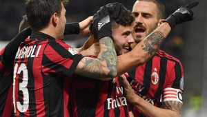 Milan passa fácil pelo Verona e vai pegar a Inter na Copa da Itália