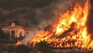 Incêndios na Califórnia chegam à região de Montecito, em Santa Bárbara