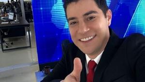 """Evaristo Costa adere à brincadeira e grava vídeo para """"Que Tiro Foi Esse?"""""""