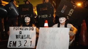 Justiça do Rio absolve estudantes presos em protesto de junho de 2013