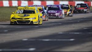 Ricardo Maurício faz a pole e Serra larga na frente de Camilo na Stock Car