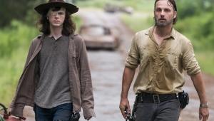 """""""The Walking Dead"""": diretor chorou ao ver episódio com morte de personagem"""