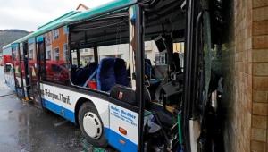 Acidente envolvendo ônibus escolar deixa 48 feridos na Alemanha