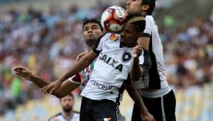 Em jogo morno, Fluminense e Botafogo empatam sem gols no 1º clássico do Carioca