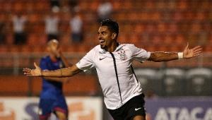 Com queda de energia e gol de Júnior Dutra, Corinthians goleia São Caetano no Paulistão