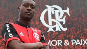 Flamengo oficializa contratação do atacante Marlos Moreno