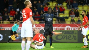 Balotelli faz dois, mas Falcao garante empate entre Monaco e Nice pelo Francês