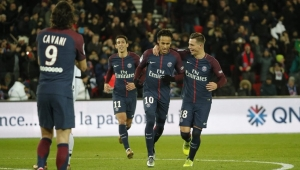 Em Paris, PSG faz 8 a 0 no Dijon com quatro gols de Neymar e recorde de Cavani