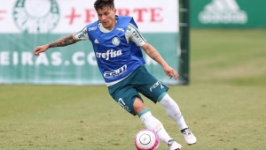 Palmeiras deixa cinco de fora e guarda vaga para Scarpa no Paulistão