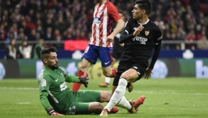 Diego Costa marca, mas Atlético leva virada do Sevilla na Copa do Rei