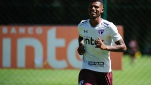 Arboleda desfalcará São Paulo no sábado; Bruno Alves deve ser titular