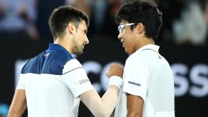 Djokovic é eliminado por sul-coreano no Aberto da Austrália e Federer avança