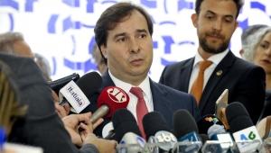 """Rodrigo Maia afirma que o Bolsa Família """"escraviza"""" as pessoas"""