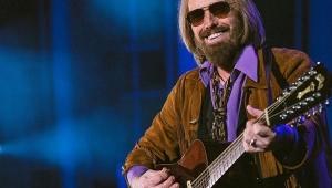 Tom Petty morreu por overdose acidental de remédios, afirma família