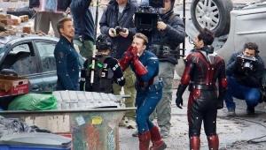 "Robert Downey Jr. mostra elenco se divertindo nos bastidores de ""Vingadores 4"""