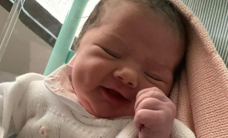 Tatá Werneck revela nome da filha recém-nascida: Clara Maria